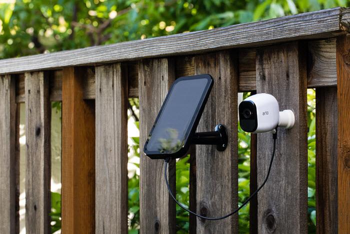 Incarcator solar Arlo pentru camere de supravegher 100 wireless, fara cabluri